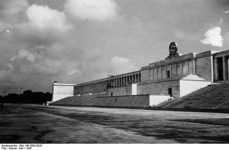 ஸெப்பலின் ட்ரிபியூன் (1942). நன்றி. ஜெர்மனி தேசிய ஆர்க்கைவ்