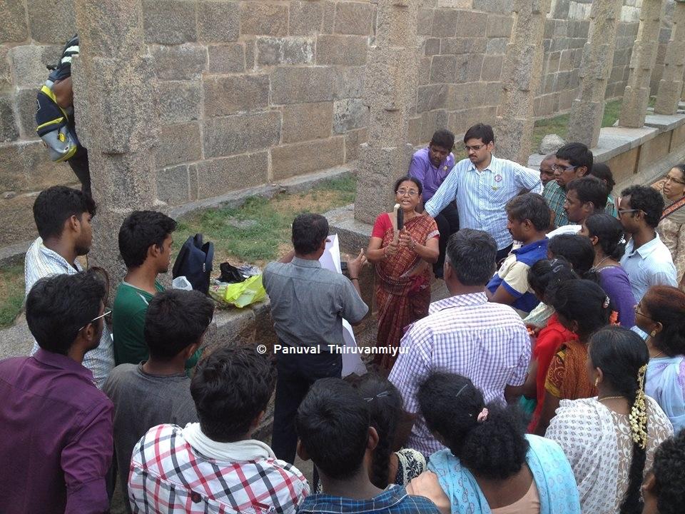 காஞ்சிபுரம் கல்விச் சுற்றுலாவில்