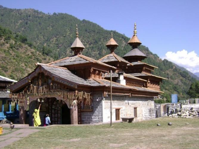 உத்தரகாசியின் சவுர் கிராமத்தில் அமைந்துள்ள கோவில்